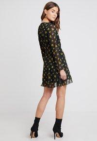 Even&Odd - Denní šaty - black/yellow - 2
