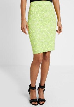 Blyantnederdel / pencil skirts - neon green