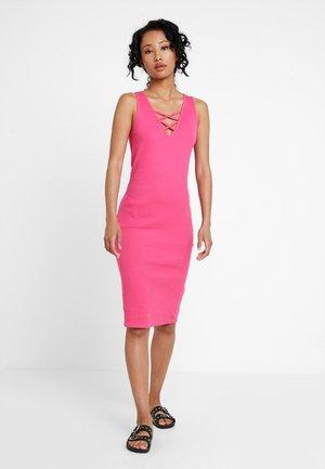 Kjole - pink