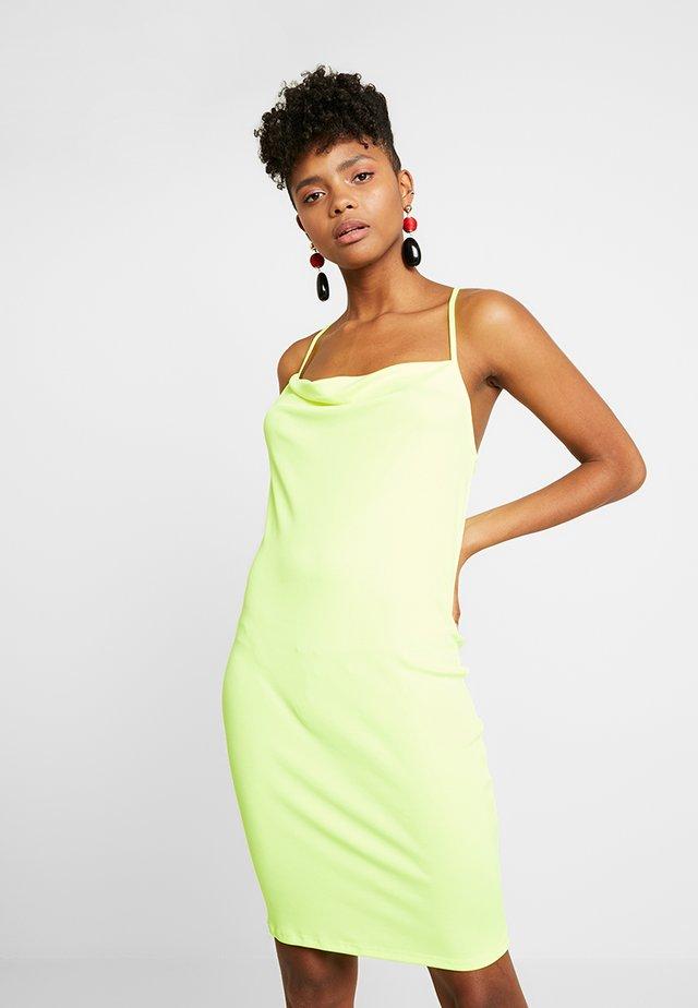 Pouzdrové šaty - yellow