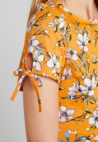 Even&Odd - Vestido informal - white/orange - 4