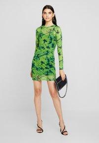 Even&Odd - Korte jurk - green/black - 2