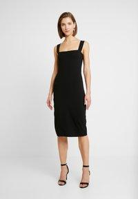 Even&Odd - ETUIKLEID BASIC - Pouzdrové šaty - black - 0
