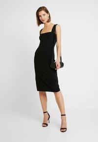 Even&Odd - ETUIKLEID BASIC - Pouzdrové šaty - black - 2