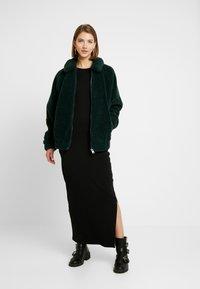 Even&Odd - MAXIKLEID BASIC - Vestito lungo - black - 2