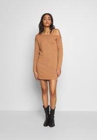 Even&Odd - Stickad klänning - macaroon - 2