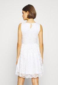 Even&Odd - BASIC OCCASSION MINI DRESS - Koktejlové šaty/ šaty na párty - white - 3