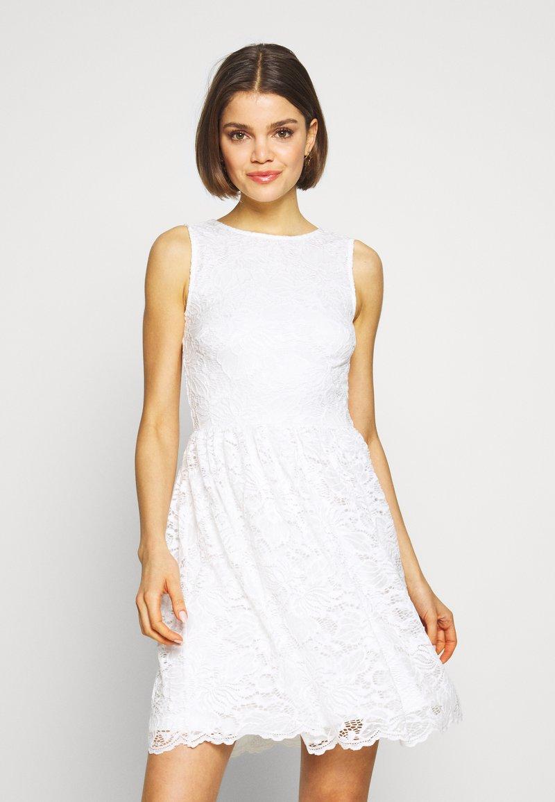 Even&Odd - BASIC OCCASSION MINI DRESS - Koktejlové šaty/ šaty na párty - white