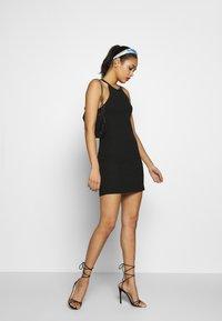 Even&Odd - BODYCON DRESS - Sukienka z dżerseju - black - 1