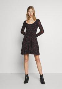Even&Odd - Denní šaty - black/red - 1