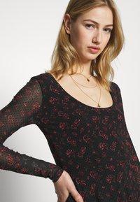 Even&Odd - Denní šaty - black/red - 3