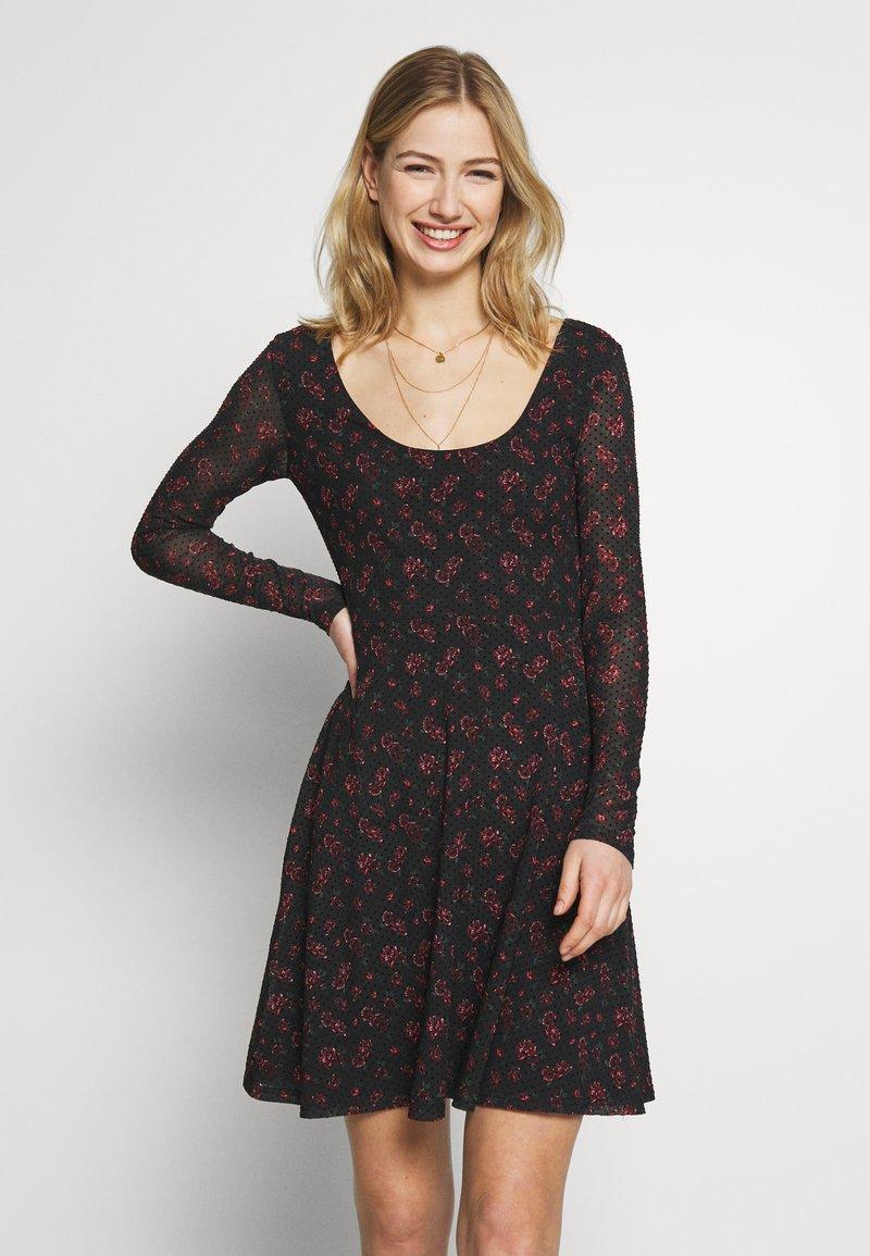 Even&Odd - Denní šaty - black/red