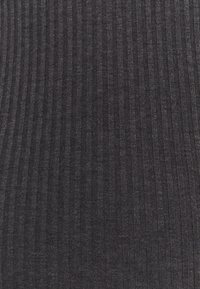 Even&Odd - BASIC JERSEYKLEID - Shift dress - mottled dark grey - 2