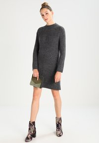 Even&Odd - Vestido de punto - mottled dark grey - 1