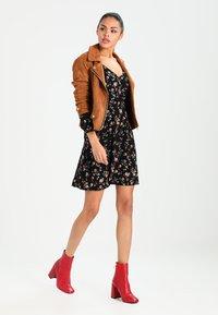 Even&Odd - Sukienka letnia - black/rose - 1