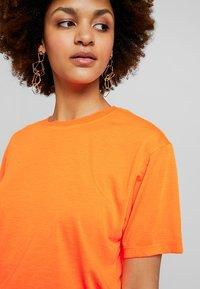 Even&Odd - Print T-shirt - neon orange - 4