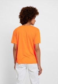 Even&Odd - Print T-shirt - neon orange - 2