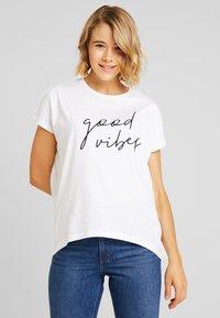 Even&Odd - T-shirts med print - white - 0