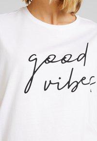 Even&Odd - T-shirts med print - white - 4
