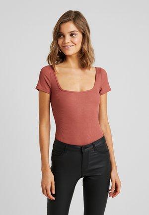 Camiseta estampada - rust