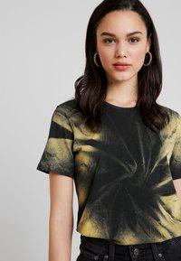 Even&Odd - T-shirt med print - multicoloured - 4