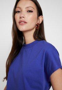 Even&Odd - T-shirt basic - clematis blue - 5
