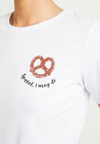 Even&Odd - T-shirt med print - white - 4