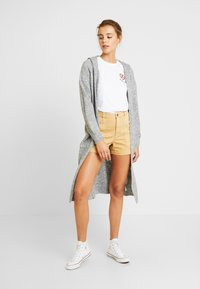 Even&Odd - T-shirt med print - white - 1