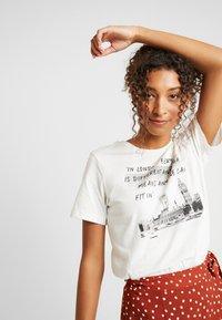 Even&Odd - Print T-shirt - off-white - 3