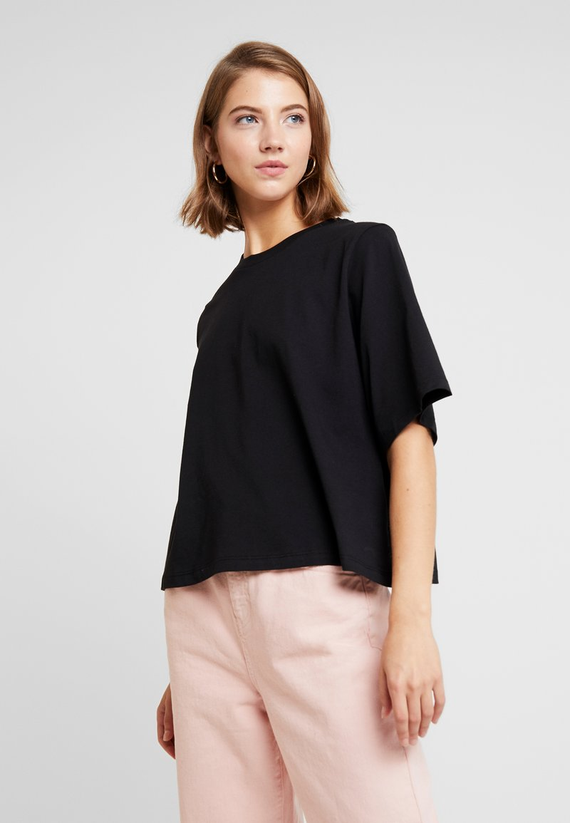 Even&Odd - T-Shirt basic - black