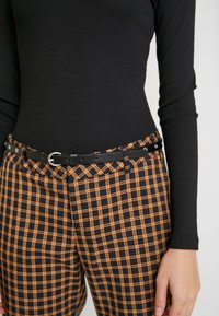Even&Odd - BODYSUIT BASIC - T-shirt à manches longues - black - 5