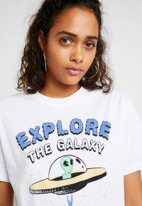 Even&Odd - Camiseta estampada - white - 5