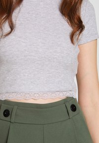 Even&Odd - T-shirts med print - mottled light grey - 4
