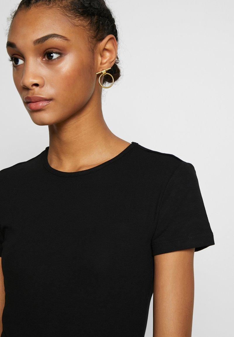 Even&Odd T-shirts - black