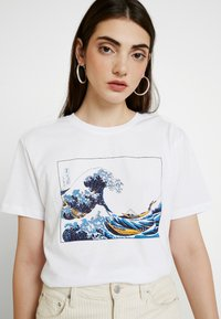 Even&Odd - T-shirts med print - white - 3