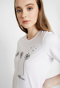 Even&Odd - T-shirt con stampa - white - 4