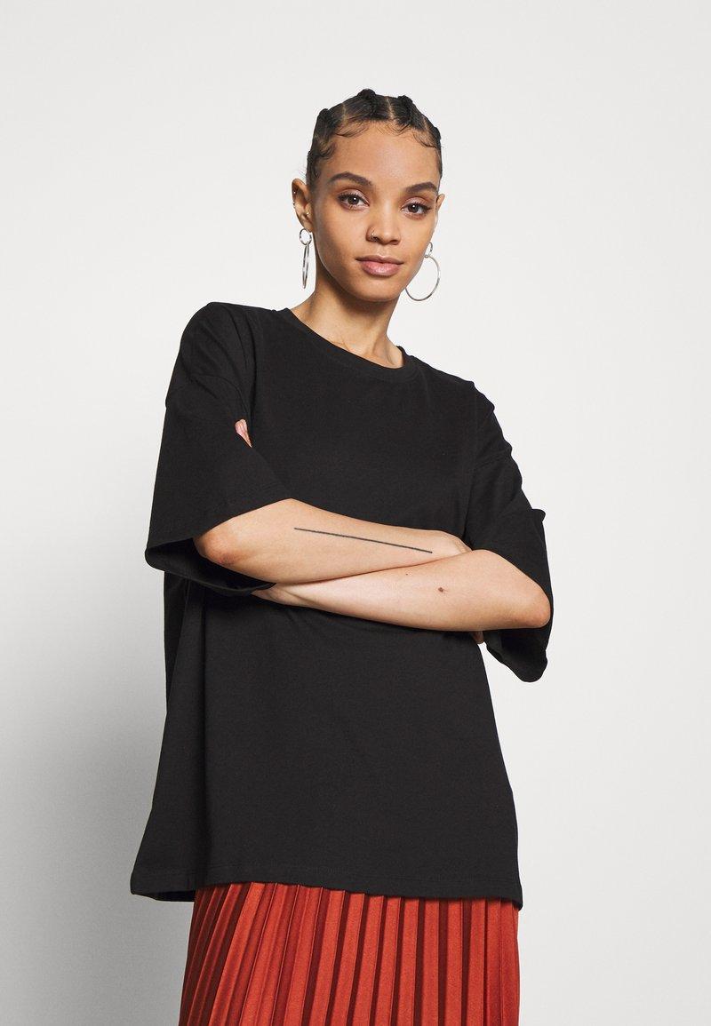 Even&Odd - T-shirts - black