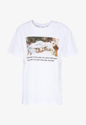 HATTIE FALLING  - T-shirts print - white