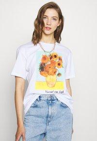 Even&Odd - T-shirt con stampa - white - 0