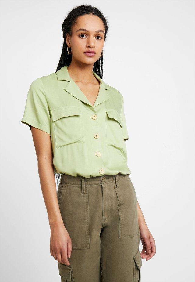 Hemdbluse - green