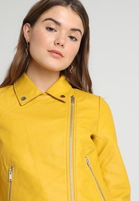 Even&Odd - Giacca in similpelle - yellow - 3