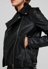 Even&Odd - Imitatieleren jas - black - 5