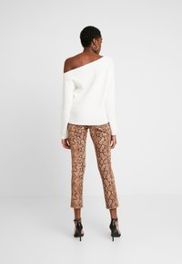 Even&Odd - BASIC- off shoulder jumper - Trui - off-white