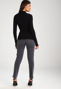 Even&Odd - Stickad tröja - black - 2