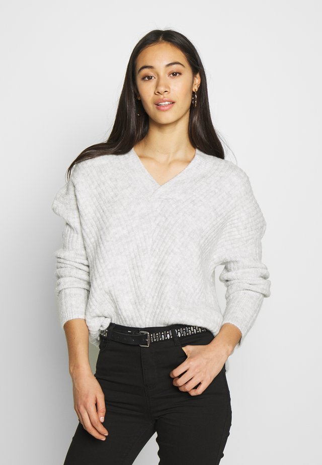V NECK JUMPER - Pullover - grey