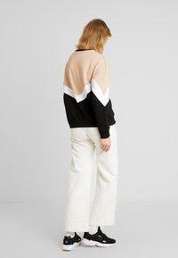 Even&Odd - Sweatshirt - sand/black - 2