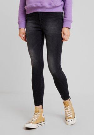 Skinny džíny - washed black