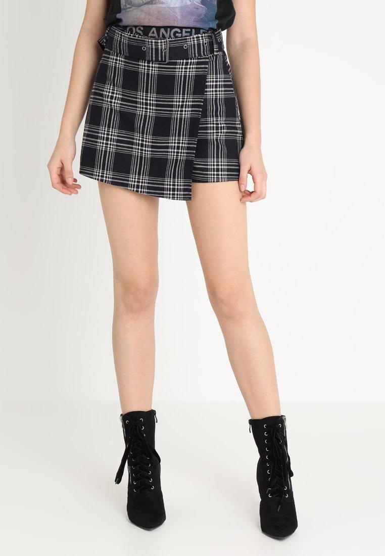 Even&Odd - Shorts - white/black