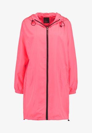 Zimní kabát - neon pink