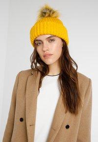 Even&Odd - Bonnet - mustard - 1